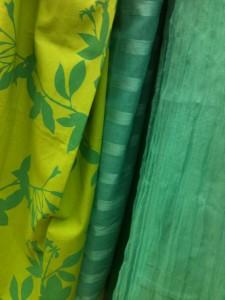 Rideaux verts au textile différent