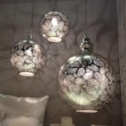 Luminaires sphériques à motifs