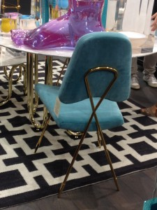 Chaise rembourée bleue