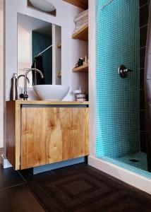 niches invisibles pour ranger serviettes et accessoires de toilette